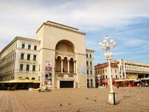 Il teatro dell'opera ed il teatro nazionale, Timisoara, Romania fotografia stock