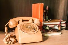 Il telefono nell'ufficio fotografia stock libera da diritti