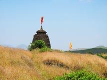 Il tempio alla fortificazione di Harishchandragad in maharashtra Fotografie Stock