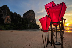 Il tempio della spiaggia della Tailandia oscilla Krabi Immagini Stock