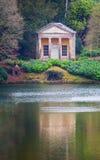 Il tempio di Flora Stourhead Garden Fotografia Stock
