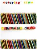 Il tempo di coloritura segna lo spazio con lettere della copia delle matite Immagini Stock