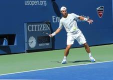 Il tennis professionista Ricardas Berankis dalla Lituania pratica per l'US Open 2013 a Billie Jean King National Tennis Center Fotografia Stock