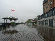 Il terrazzo di Dufferin nella pioggia a Québec Fotografie Stock