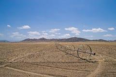 Il terreno coltivabile asciutto di California Fotografie Stock Libere da Diritti