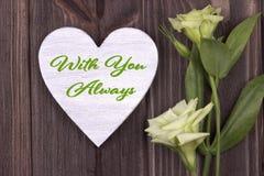 Il testo della carta del giorno del ` s del biglietto di S. Valentino con voi si inverdisce sempre Immagine Stock