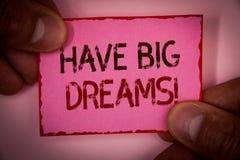 Il testo della scrittura ha chiamata motivazionale di grandi sogni Ambizione futura Desire Motivation Goal Words di significato d fotografia stock