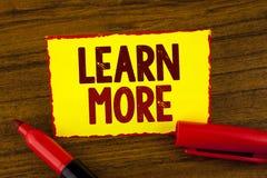 Il testo della scrittura impara più Lo studio di significato di concetto sviluppa più duro le nuove abilità che le abilità otteng Immagine Stock Libera da Diritti