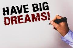 Il testo di scrittura di parola ha chiamata motivazionale di grandi sogni Concetto di affari per il backgr futuro di bianco di De immagine stock libera da diritti
