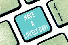 Il testo di scrittura di parola ha un giorno adorabile Concetto di affari per gli auguri affinchè abbiano buona motivazione di pe immagine stock