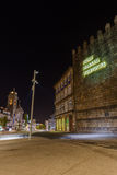 Il testo Portogallo nasceva qui in città Guimaraes immagini stock libere da diritti