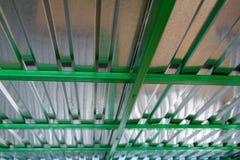 Il tetto è coperto di metallo Fotografie Stock Libere da Diritti