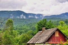 Il tetto della casa abbandonata fotografie stock libere da diritti