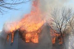 Il tetto sta bruciando fotografia stock