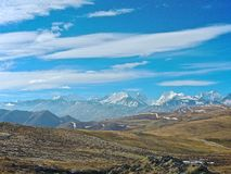 Il Tibet, i picchi della neve Immagini Stock Libere da Diritti