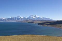 Il Tibet: naimonanyi del supporto e yumtso del mapham del lago immagini stock libere da diritti