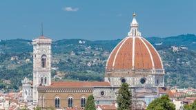 Il timelapse e Bargello di Santa Maria Del Fiore del duomo da Boboli fanno il giardinaggio a Firenze, Toscana, Italia stock footage