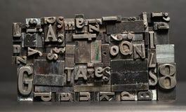 Il tipo torchio tipografico del metallo composto tassa le lettere del testo di tipografia fotografia stock libera da diritti