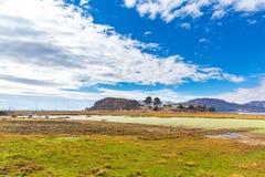 Il Titicaca, Sudamerica, situato sul confine del Perù e della Bolivia si siede 3.812 m. sopra il livello del mare Fotografie Stock Libere da Diritti