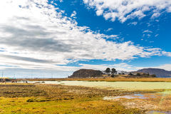 Il Titicaca, Sudamerica, situato sul confine del Perù e della Bolivia si siede 3.812 m. sopra il livello del mare Fotografia Stock Libera da Diritti