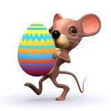 il topo 3d ha un uovo di Pasqua Fotografia Stock Libera da Diritti
