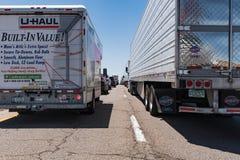 Il traffico massiccio accatasta su su 40 da uno stato all'altro New Mexico Fotografia Stock