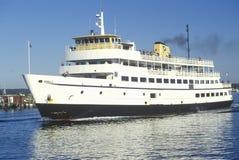 Il traghetto all'isola di blocco nel punto Judith, Rhode Island immagini stock libere da diritti