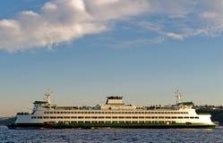 Il traghetto di Tacoma sulla baia fotografia stock