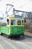 Il tram classico verde e giallo di Melbourne Fotografia Stock