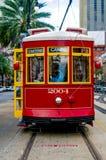Il tram del Canal Street fa una fermata immagini stock