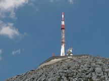 Il trasmettitore alla sommità dello SV. Jure - il più alta montagna nella catena montuosa Biokovo Fotografie Stock