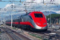 Il treno ad alta velocità moderno Fotografia Stock