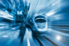 Il treno ad alta velocità con la sfuocatura di movimento Fotografia Stock Libera da Diritti