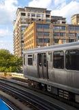Il treno di EL del Chicago fotografie stock libere da diritti