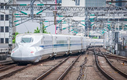 Il treno di pallottola di Shinkansen Fotografia Stock