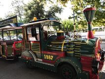 Il treno turistico di vecchia città nella città di Corfù sull'isola greca di Corfù Fotografie Stock