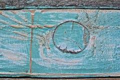 Il turchese è legno colorato ed il colore è sbucciato immagini stock