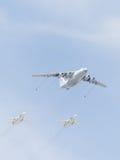 IL-78 und Su-24 im Himmel Stockfoto