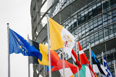 Il Vaticano e tutte le bandiere di paesi europei Fotografia Stock Libera da Diritti