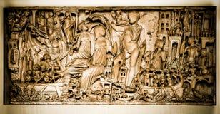 Il Vaticano, una scultura - bassorilievo Fotografia Stock