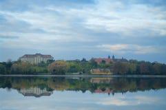 Il vecchio lago in Tata, Ungheria fotografie stock