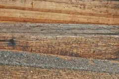 Il vecchio legno di pino registra il mucchio Immagini Stock