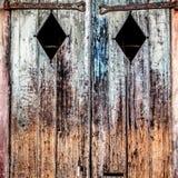 Il vecchio legno Shutters la LA di New Orleans del quartiere francese Fotografie Stock