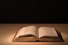 Il vecchio libro Immagini Stock