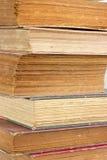 Il vecchio libro del primo piano impagina la struttura. Fotografia Stock Libera da Diritti