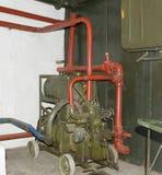 Il vecchio motore diesel in pillbox sovietico Fotografie Stock Libere da Diritti
