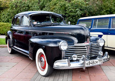 Il vecchio nero classico dell'automobile Fotografia Stock