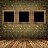 Il vecchio oro incornicia lo stile del Victorian sulla parete Immagini Stock Libere da Diritti