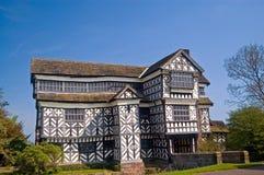 Il vecchio palazzo di tudor Fotografie Stock