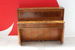 Il vecchio pianoforte Immagini Stock Libere da Diritti